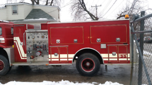 Fire truck pump and tank body