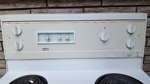 Stove - clean, good working condition Kawartha Lakes Peterborough Area image 4