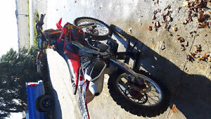 Crf 250r mint condition Windsor Region Ontario image 4