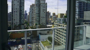 $3350 /  2 bed 2 bath + den (883SF) - TELUS GARDEN - avail Aug 1