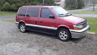 1995 Plymouth Voyager Minivan