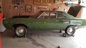 1969 roadrunner 4 speed car