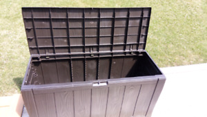 Deck storage box (Delivered and assembled)