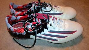 Soccer Shoes - Adidas Messi 10.1 - White - Size 9 US Stratford Kitchener Area image 1