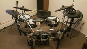 Roland V-drums  TD-12 excellent condition, Gibson, fender,
