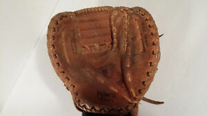 Homer left hand baseball glove