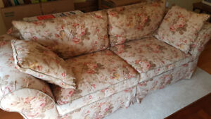 Big Comfy Couch, great condition, no smoking, no pets house