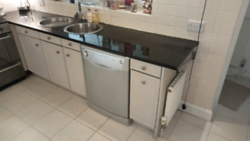 BOSCH KITCHEN BASE AND WALL UNITS & GRANITE WORKTOPS STAINLESS SINKS