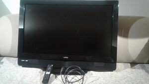 "32"" Smart Flat Screen TV"