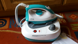 Easy home steam iron like New open to offers.