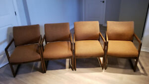 Set of 4 conference room chairs (Wood & Fabric)