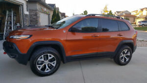 2016 Jeep Cherokee Trailhawk SUV- DONT BUY A RENTAL CAR!!