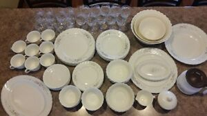 Arcopal Dinner ware 8 place setting