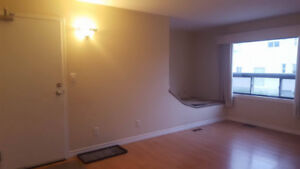 2 bedroom -- All Inclusive ..WiFI + laundry -- October 1