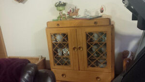 Solid Maple 1940 Hutch Display Cabinet Antique China Kitchener / Waterloo Kitchener Area image 4