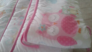 Bumper pad for crib/pare-choc pour bassinette