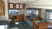 27' JAYCO EAGLE! MINT CONDITION! 13' SLIDE OUT! NO WATER DAMAGE!