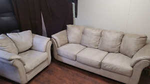 Clean comfy couch and chair,250$ delivery 50$, pet smoke free ho