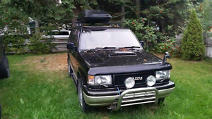 1993 Isuzu Trooper bighorn lotus edition SUV, Crossover