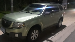 2009 Mazda Tribute AWD , NEW BRAKES , NEW WINTER TIRES., E Test