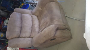 Reclining comfy chair