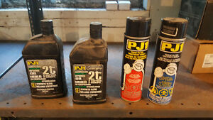 2-Stroke oil and foam air filter cleaner and oil. Stratford Kitchener Area image 1