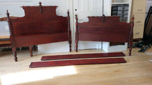 Antique Cherry Finish Bed Frame with Spool Headbord