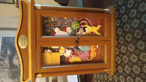 For Sale:Mr.Christmas Musical Curios Cabinet