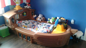 Little Tykes Toddler Pirate Ship Bed