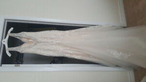 WEDDING DRESS - $500 - SIZE 12. GREAT CONDITION