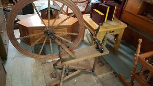 Antique spinning wheel West Island Greater Montréal image 1