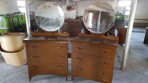bureau de chambre antique