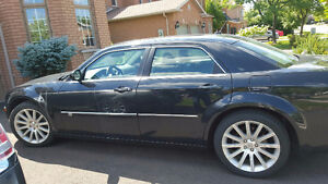 2008 Chrysler 300-Series SRT Design Sedan