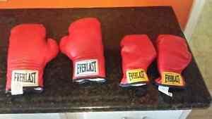 Boxing gloves  Peterborough Peterborough Area image 1