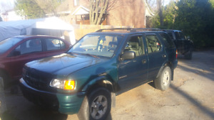 4x4 Manual v6 $1400 Nego Very clean