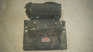 Roofers nail pouch in good condition little dirty but works good