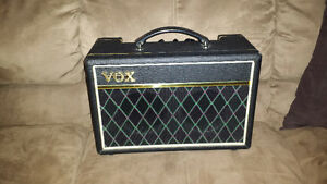 Vox Pathfinder 10 Bass Amp  will Trade for pedals or cab