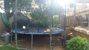 12 foot Trampoline with safety net