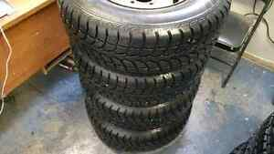 Winter Claw like new 235/75/r 15