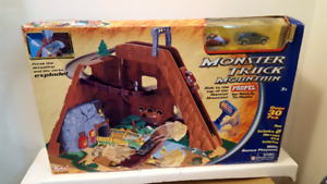 MONSTER TRUCK MOUNTAIN PLAYSET WITH PLAYMAT unopened