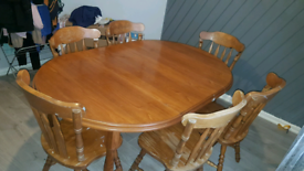 Dining Table Round Extendable with 6 Chairs
