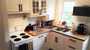Clean, renovated upper floor of house, lots of parking!