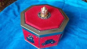 Vintage antique French cookie tin box