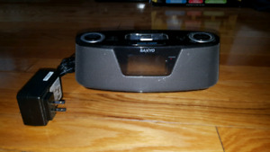 iPod Docking Station / Radio