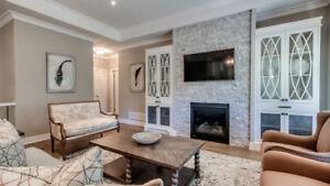 Stunning Settee! Interior Decorators dream!