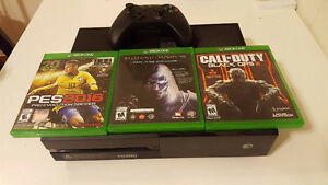 Xbox one (Barely used)