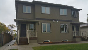 Renovated and spacious 3 bedroom townhouse in EK for Sept 1st!