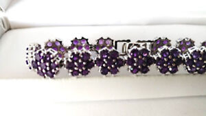 New 12.16 CT Pearl natural Sapphire Bracelet (Retails for $2615