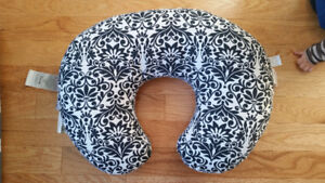 Pobby nursing pillow with an extra cover