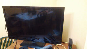 43'' TV very good condition with HDMI